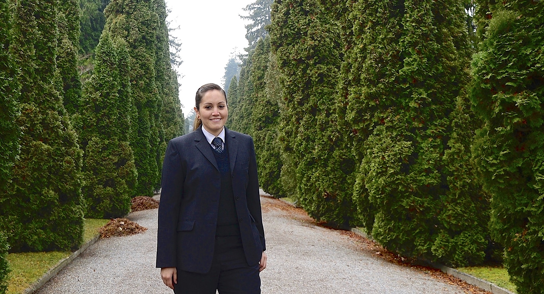 Bestattungen: Jennifer Diener arbeitet bei der Stadt Zürich als Bestatterin