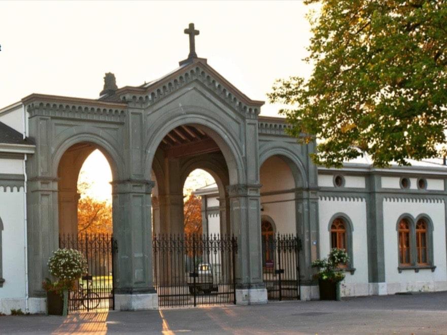 Tag des Friedhofs. Eingangsportal des Basler Hörnli-Friedhof. (Foto: zVg)