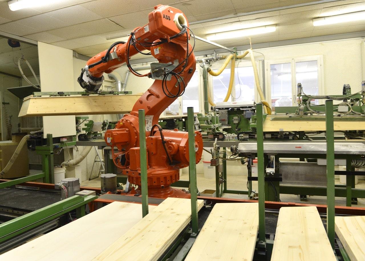 Roboter in Sargfabrik Urs Gerber AG. (Foto: Bruno Torricelli)