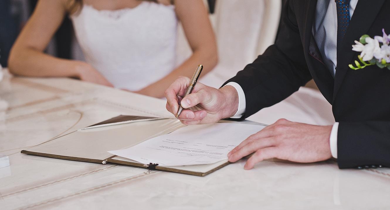 Eine Ehevertrag Muss Zwingend öffentlich Beurkundet Werden