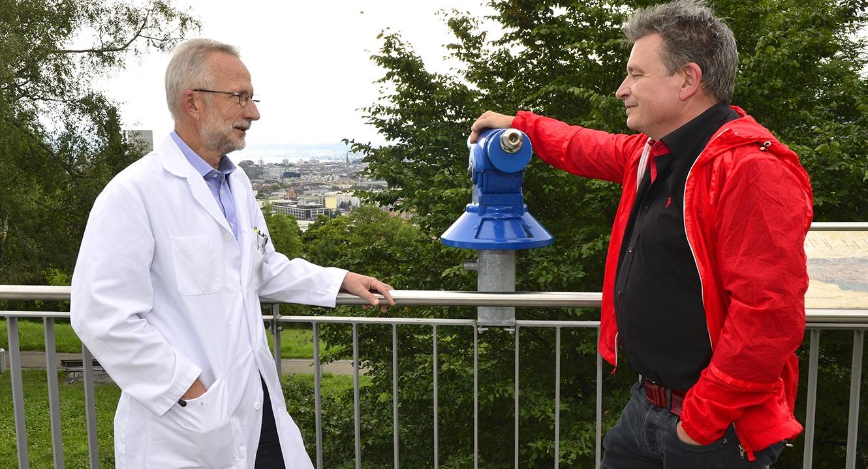 Sterbefasten: Dr. Roland Kunz, Geriater und Palliativmediziner mit DeinAdieu-Autor Martin Schuppli