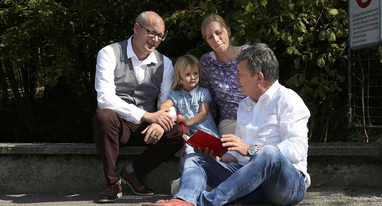 Sternenkind. Sandra und Reto Schneider im Gespräch mit DeinAdieu-Autor Martin Schuppli