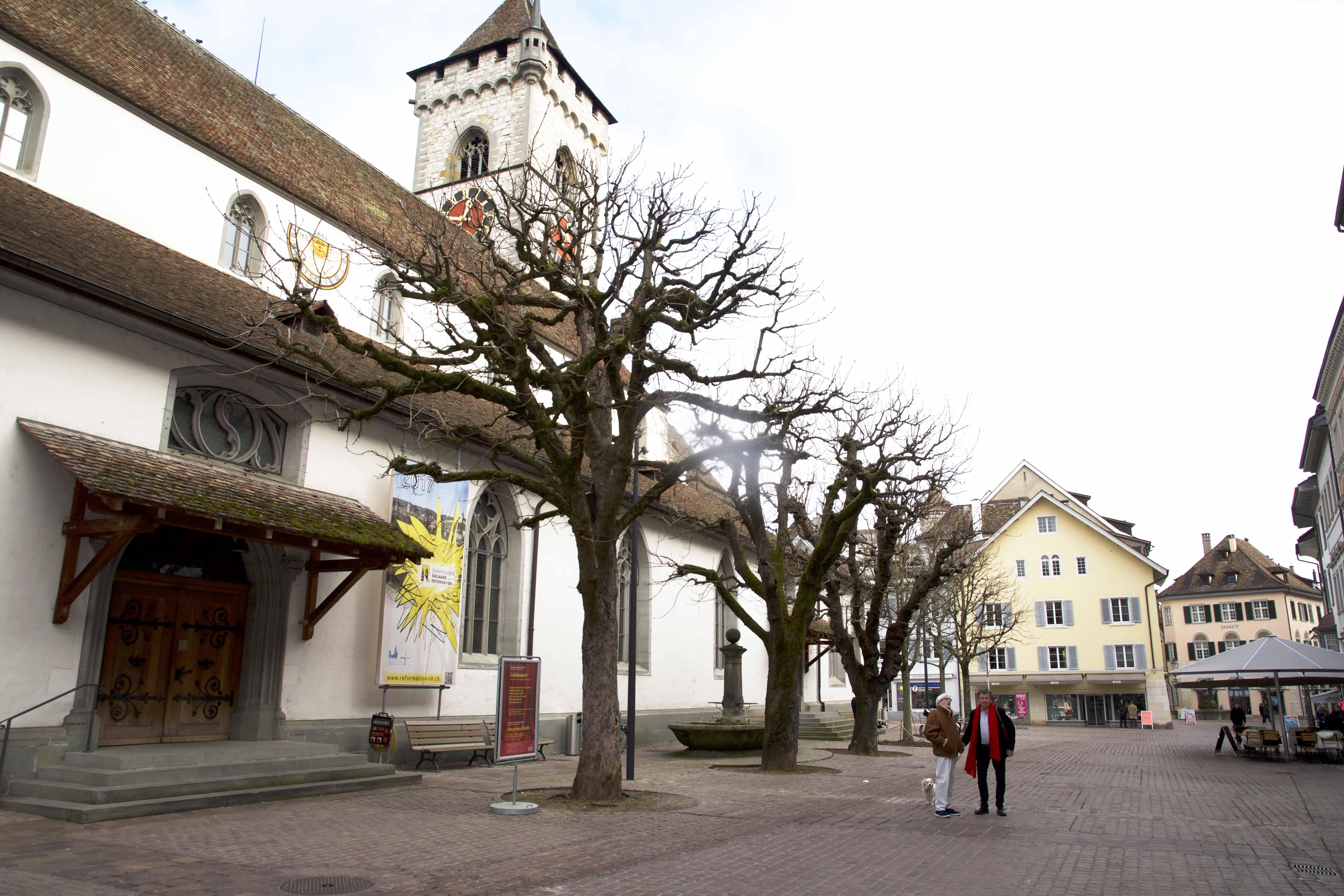 Philipp Flury vor Schaffhauser Kirche