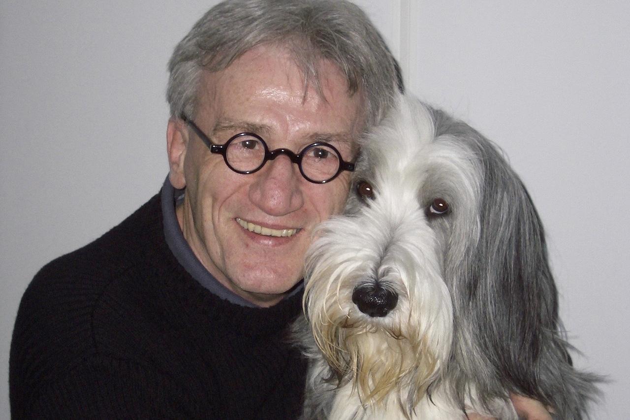 Philipp Flury mit Whoopi, seiner Bearded-Collie Hündin