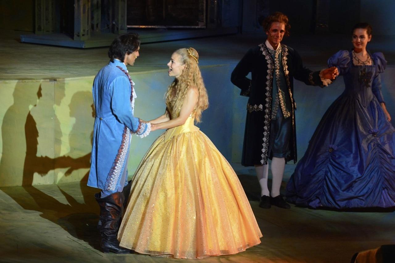 Eveline Suter in der Schlussszene mit dem Prinzen