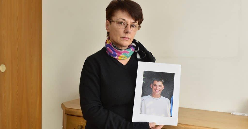 Freitod Catherine Morier mit dem Bild ihres verstorbenen Sohnes