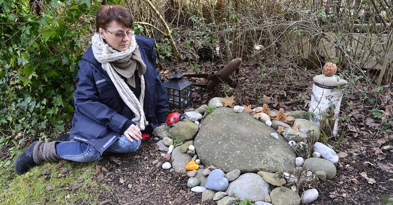 Freitod Catherine Morier am Grab ihres Sohnes