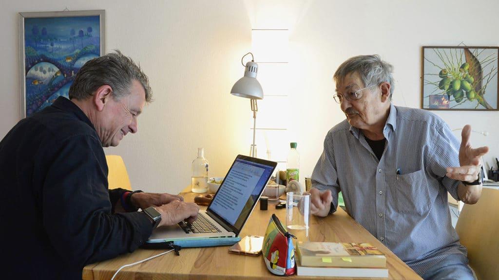 DeinAdieu-Autor Martin Schuppli mit Reporter Ruedi Rohr