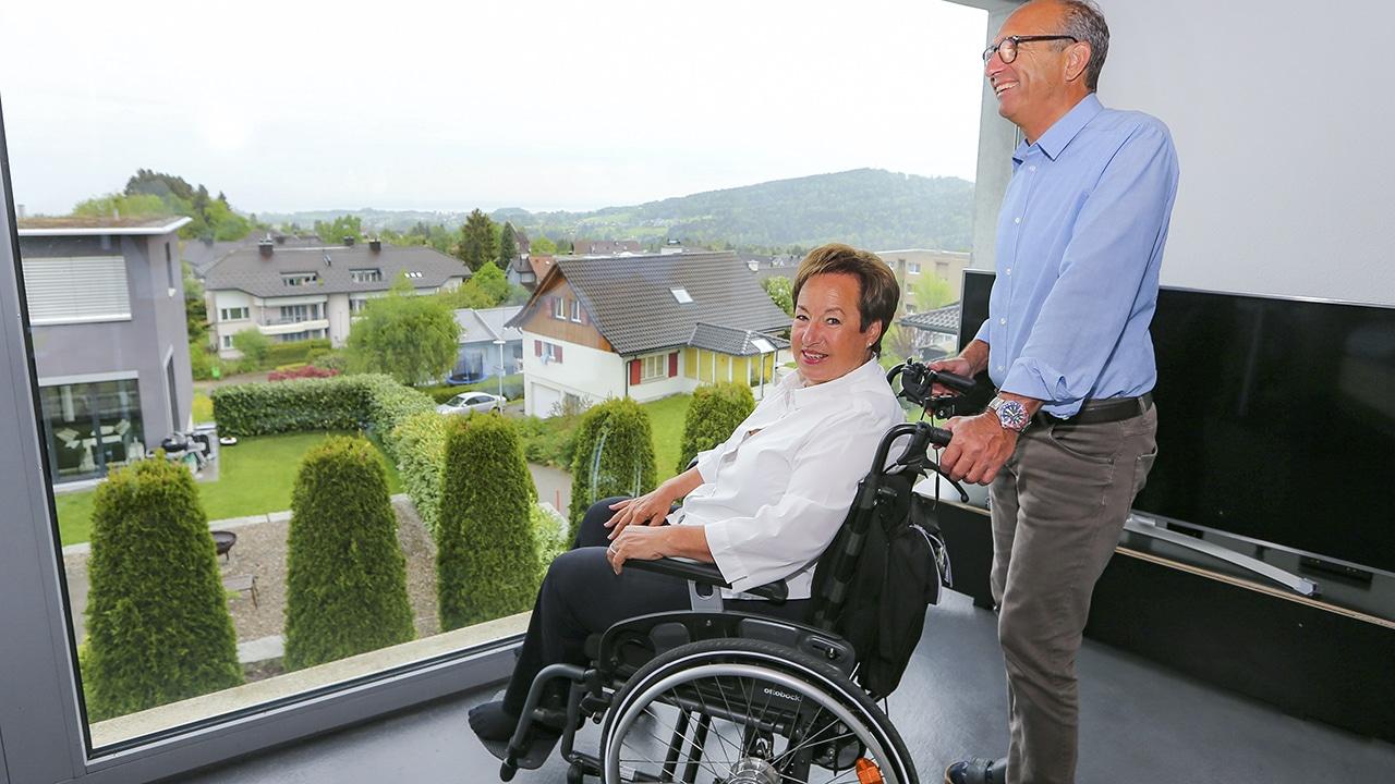 ALS-Patientin Claudine Zuberbühler mit ihrem Mann Peter