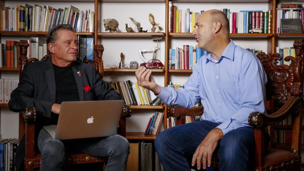 Dr. Thomas Warzinek und DeinAdieu-Autor Martin Schuppli  reden über das Leben und das Sterben